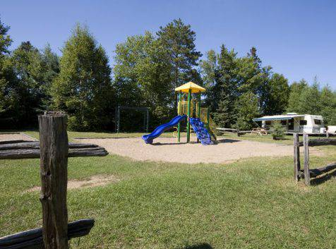 Parc_Ile_Melville_Camping_Jeux
