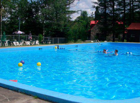 Parc_Ile_Melville_Camping_Piscine